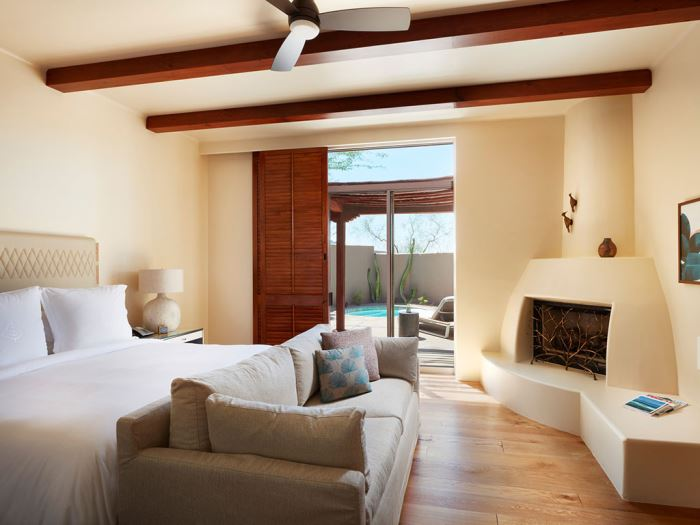 A bedroom at the Four Seasons Scottsdale Resort